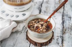 糙米薏米红豆小米粥