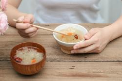 银耳红枣枸杞皂角米